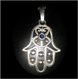 Zilveren hanger met saffier